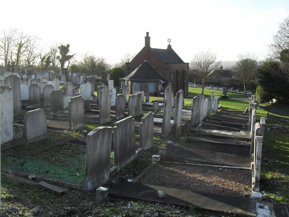 View_across_Meadowview_Jewish_Cemetery_Brighton_from_Northeast.jpg